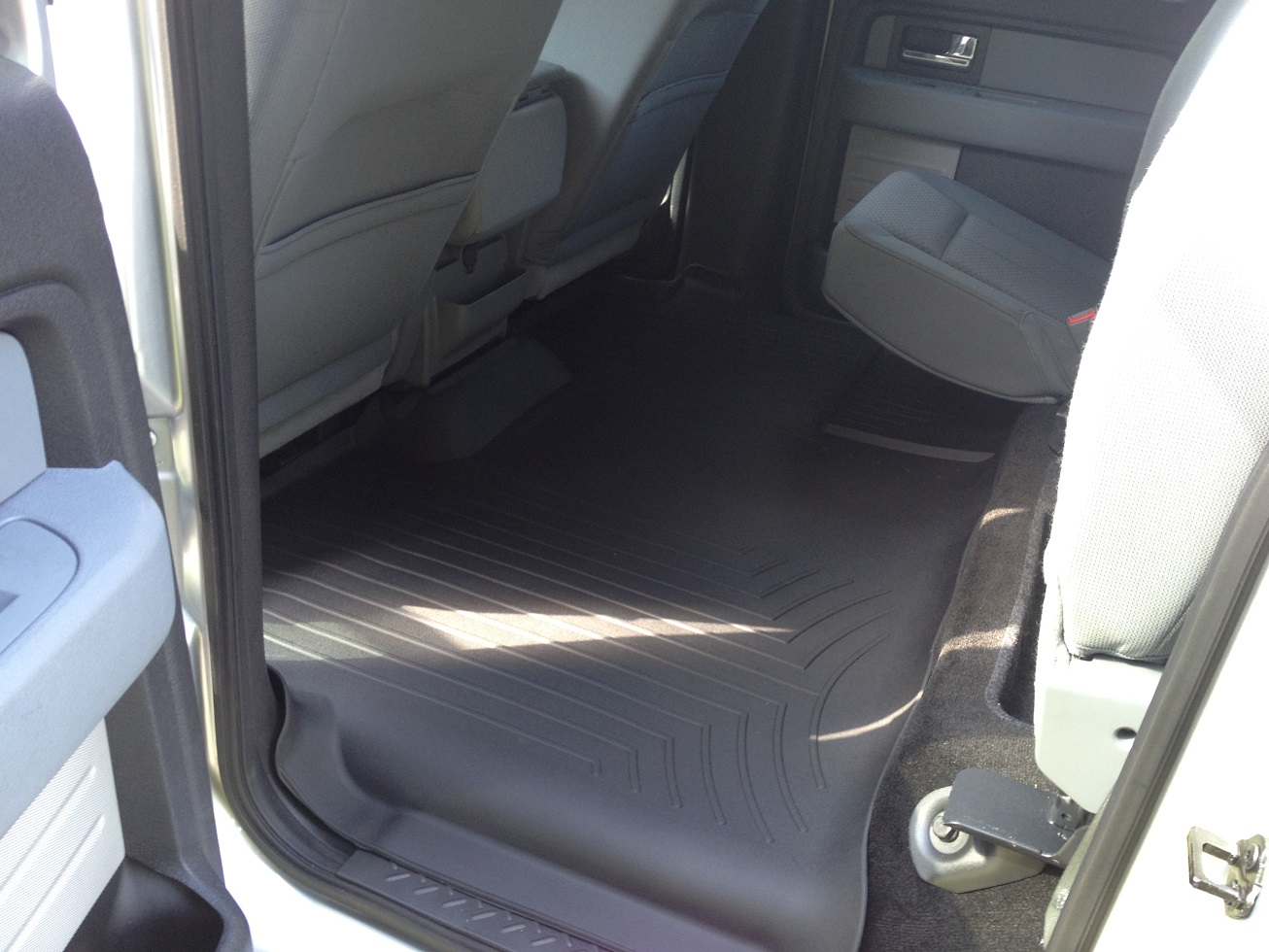 Review Of The Weathertech All Weather Front Floor Mats On A