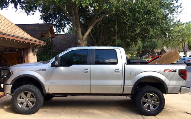 295 65r20 Toyo At2 On Stock Fx4 Wheels And Rc 6 Quot Lift