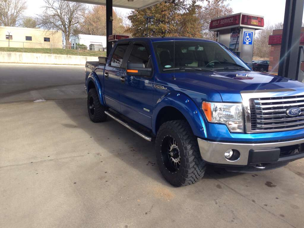 leveling kit/ 2 inch flares. Tire size??? - Page 2