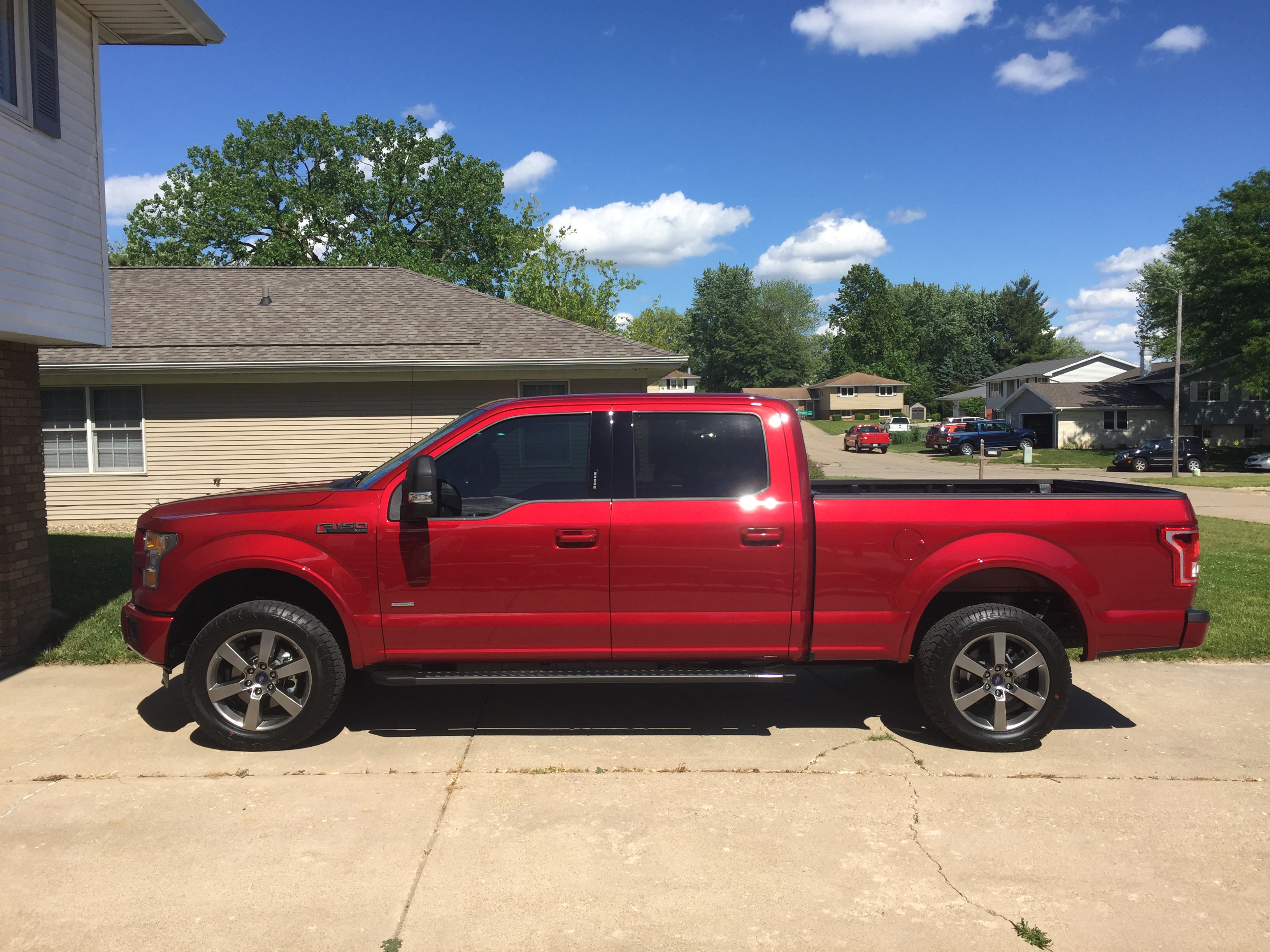 2016 f150 rough country 2 5 leveling kit at least thats what they advertise