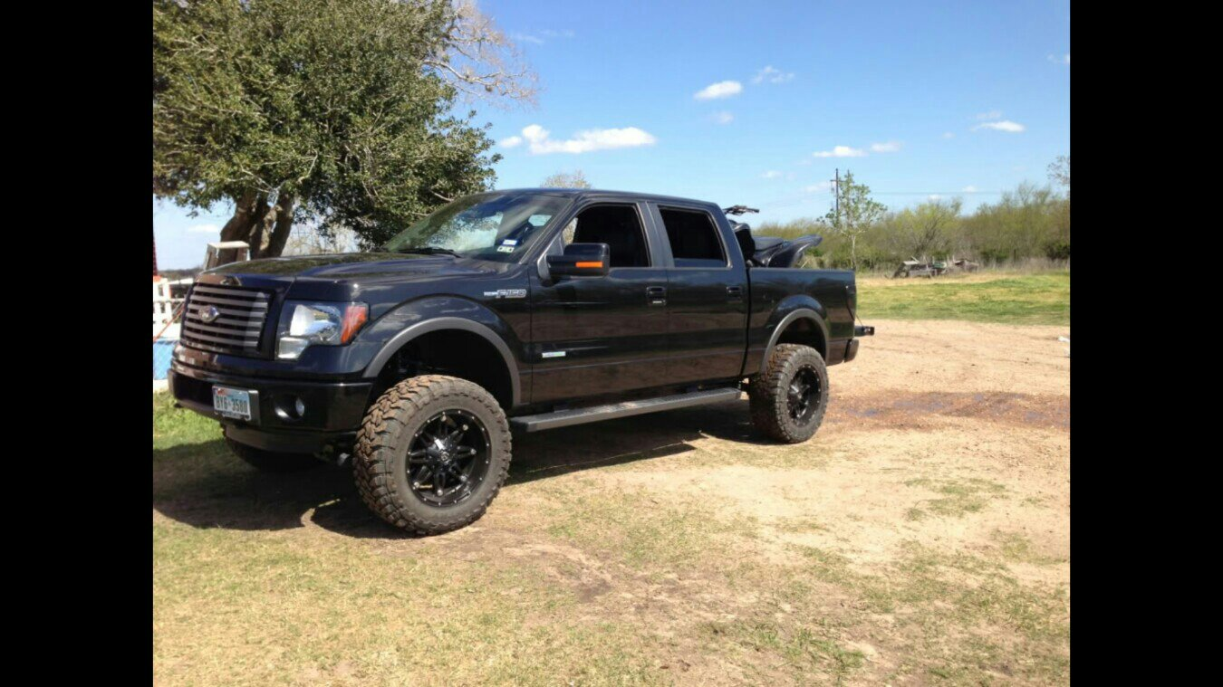 Leveled F150 With Negative Offset Wheels