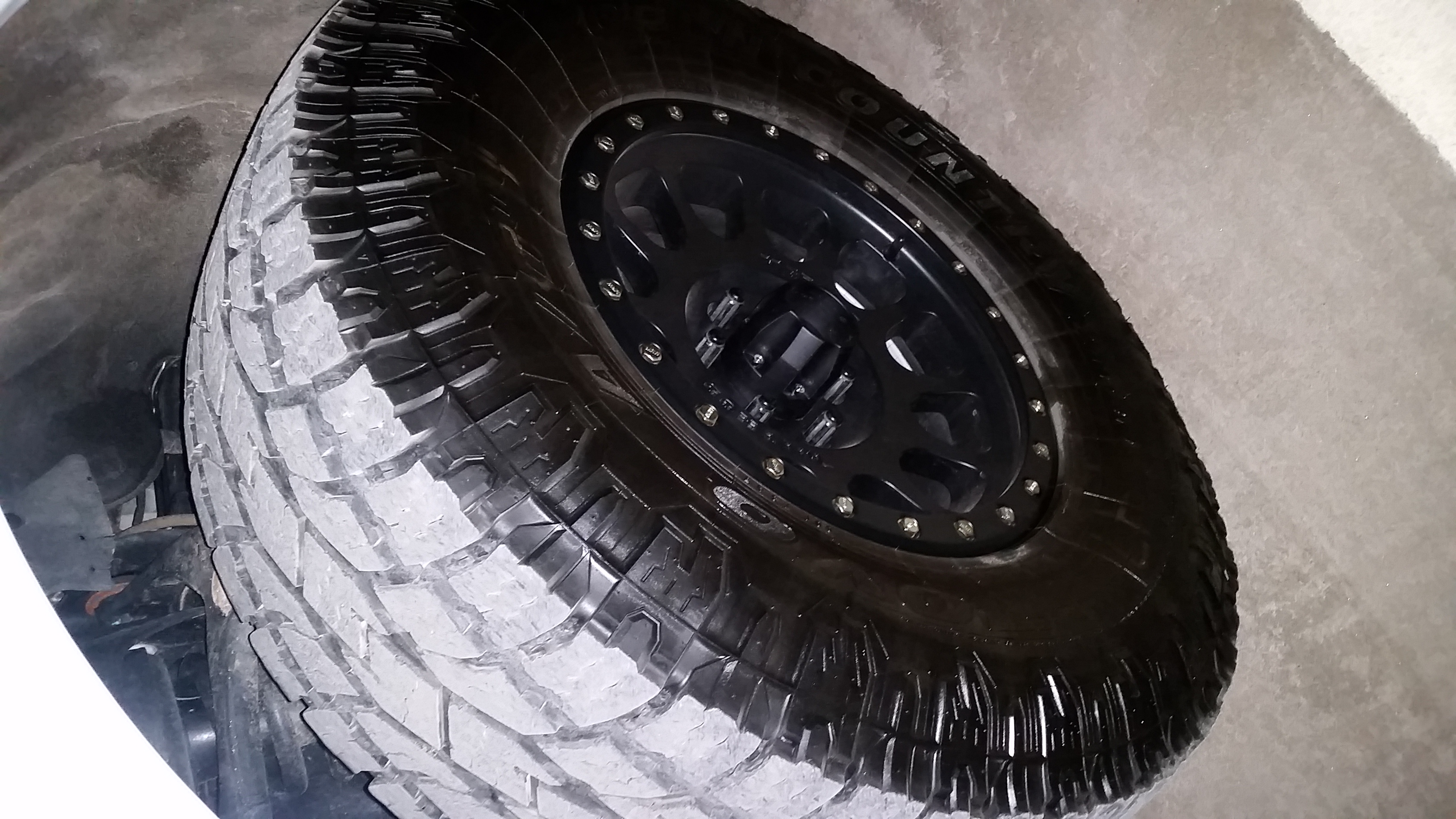 Toyo open country AT2 35x12 5r20