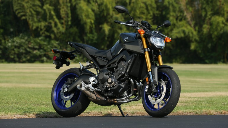 2014 Yamaha FZ-09 wants you to get Naked! For those into the naked